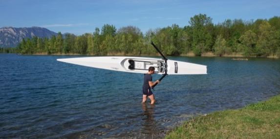 LiteRiver is een lichte roeiboot en kan makkelijk opgetild worden.